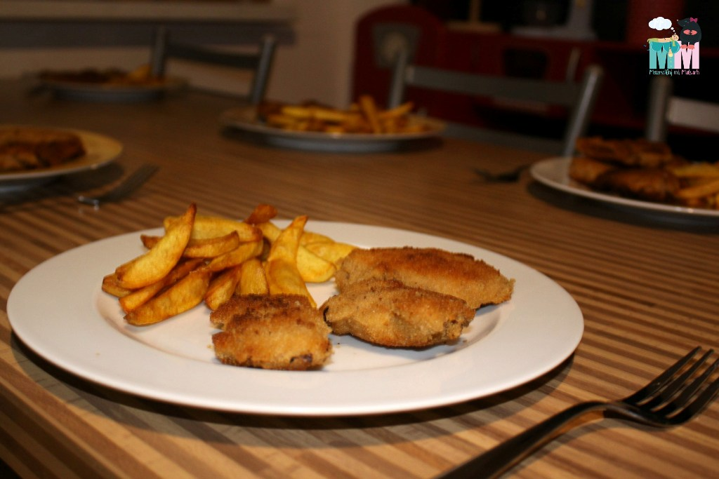 selbstgemachte Mini Schnitzel & Pommes – Kinder Essen Rezept zum mitkochen
