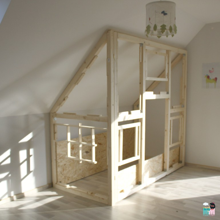 diy ein hausbett im kinderzimmer mum dein diy blog. Black Bedroom Furniture Sets. Home Design Ideas