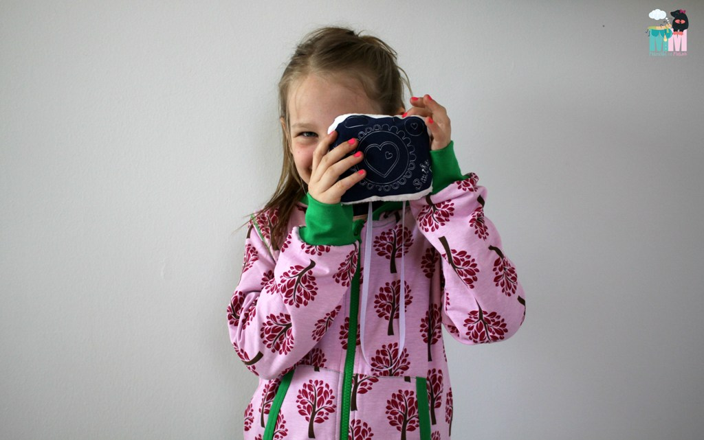 metterschlingundmaulwurfn_maxomorra_cardigan_hood_tree_fashion_kids (3)