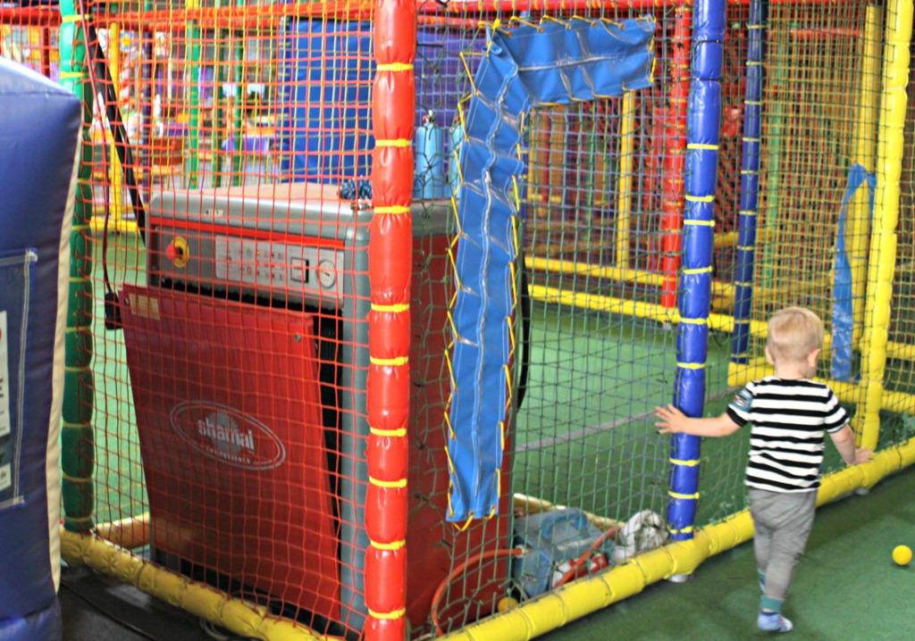 Metterschlingundmaulwurfn_hameln_indoorspielplatz_Kinder_Spielplatz (5)