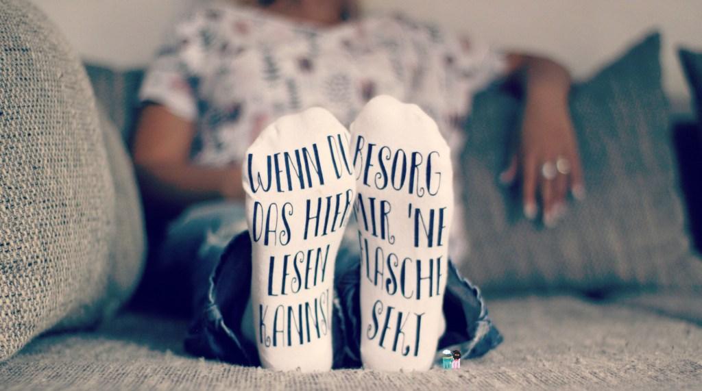 Socken DIY – witziges Geschenk für die, die schon alles haben // Plotter Ideen