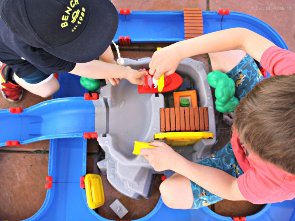 AquaPlay, mountain lake, erfahrung, test, wasser, sommer, spielzeug, garten, kinder, unter 3, familienblog, mamablog, blog