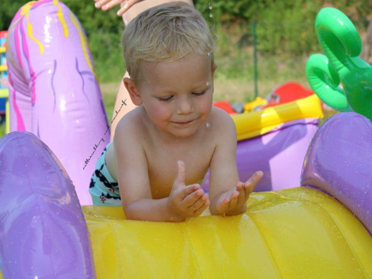 Intex Pool / Test & Erfahrungsbericht / Aufblasen vs. Stangen
