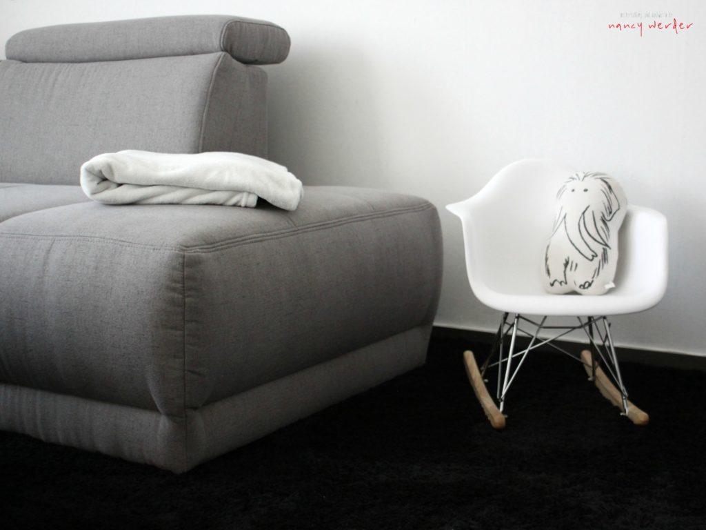 metterschlingundmaulwurfn_otto_wohnzimmer_sofa_couch_retro_lampe_rost_skandinavisch_schwarz_weiß_livingroom_blog