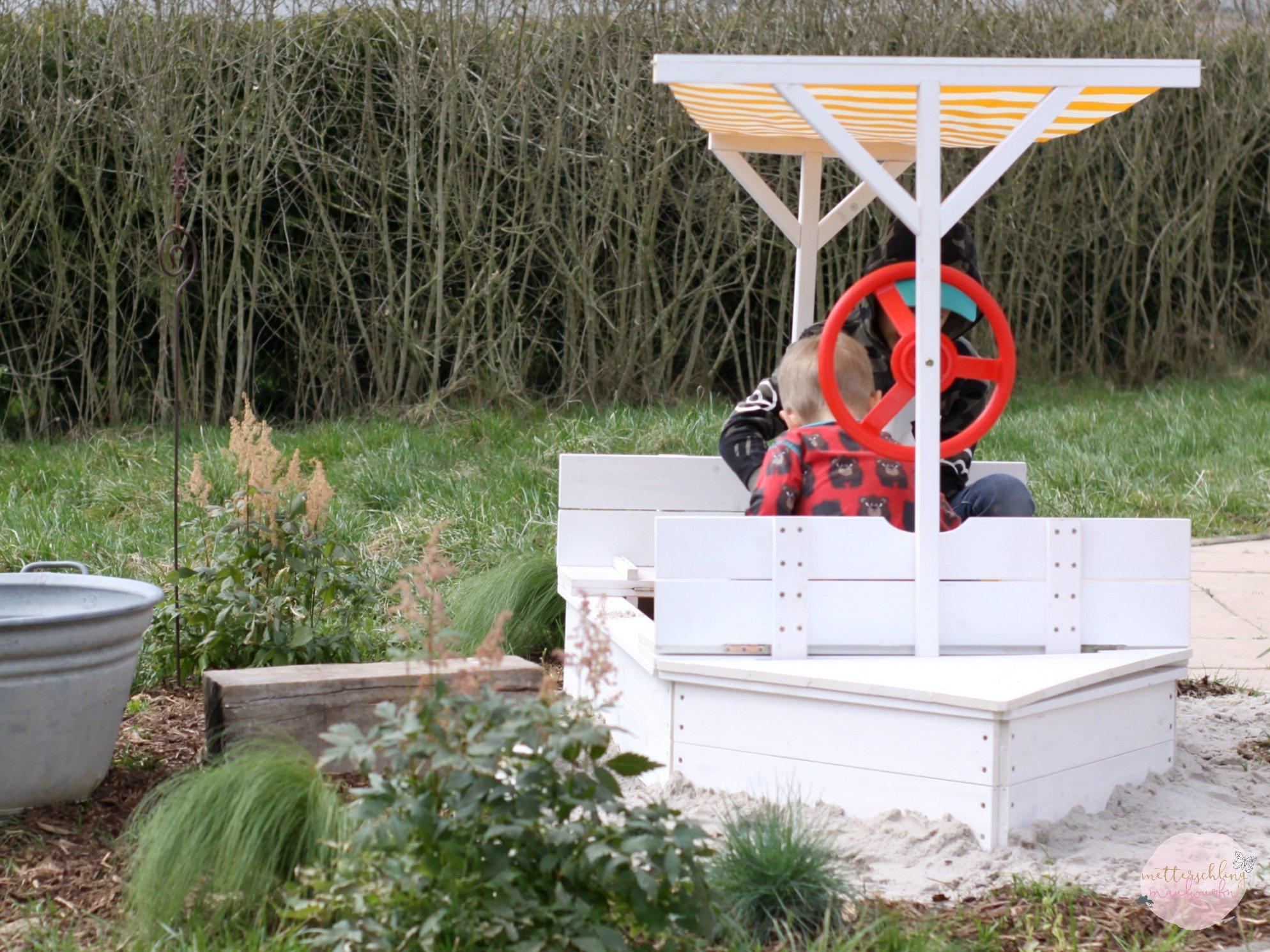 Skandinavischer Garten Traum / Sandkasten & Tisch von Jollyroom