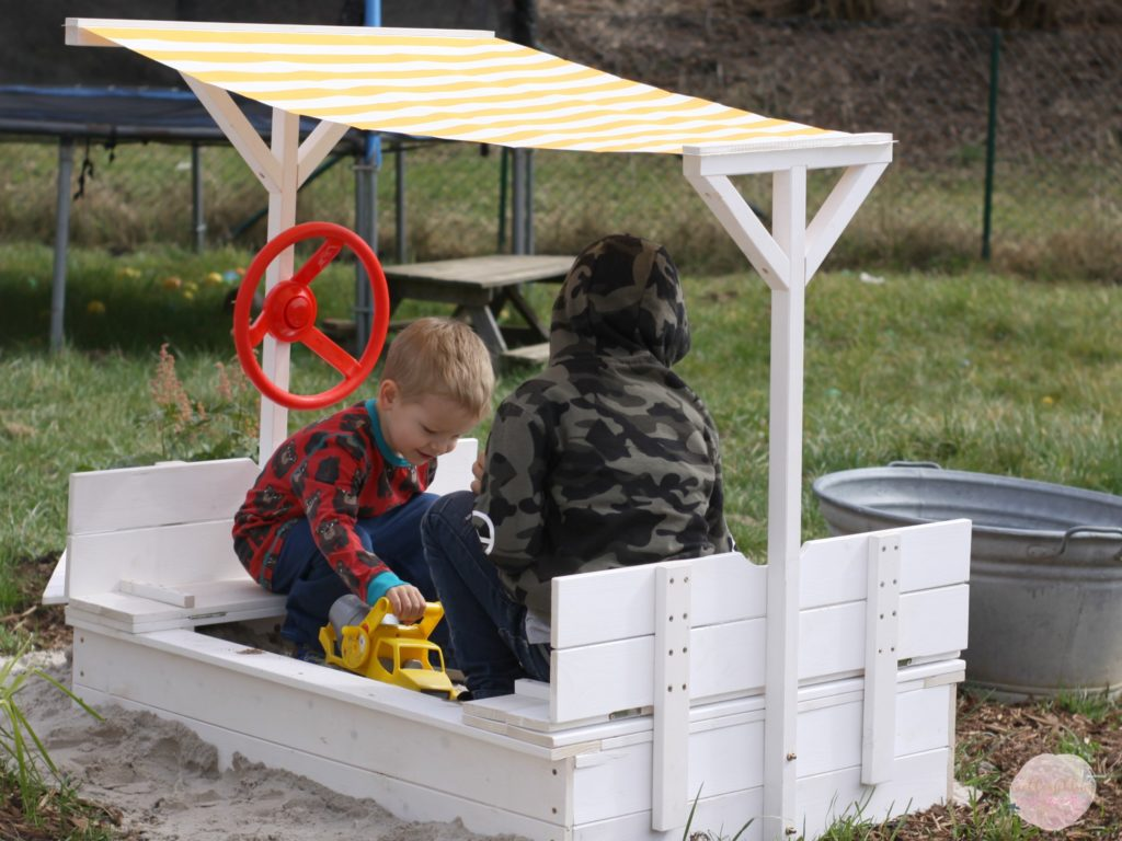 familienblog_jollyroom_sandkasten_tisch_garten_skandinavisch_Kinder_spielzeug_Nordicstil